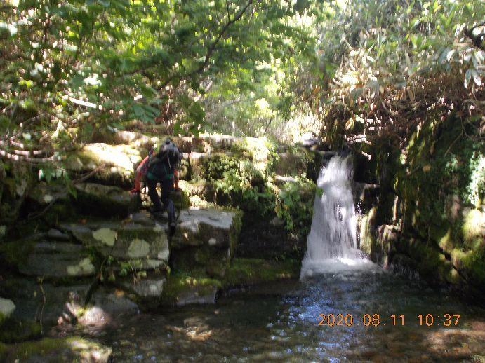 深い釜の小滝