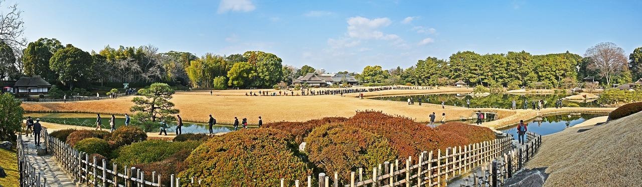 20200103 後楽園今日のタンチョウ園内散策日の開始30分前の唯心山西中腹から眺めた園内ワイド風景 (1)