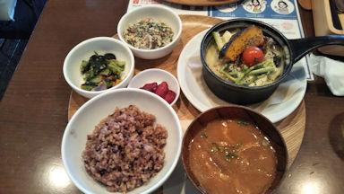 1/8 ランチ 豆乳仕立ての煮込みハンバーグ 町田 和カフェ yusoshi