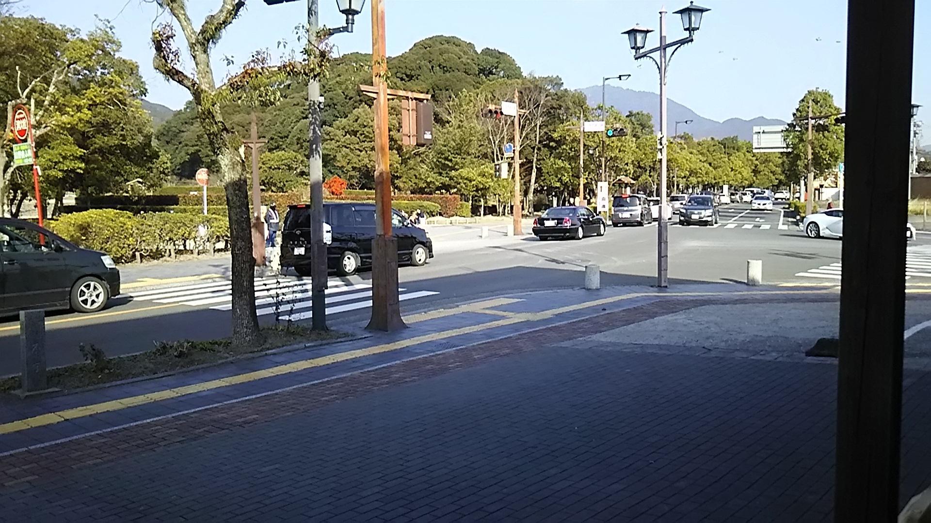 政庁前渋滞1