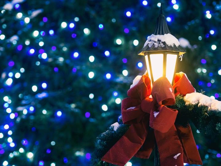 light-night-color-holiday-christmas-christmas-tree-167588-pxhere-com.jpg