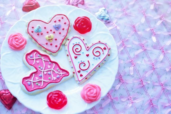 white-flower-petal-celebration-love-heart-825566-pxhere-com.jpg