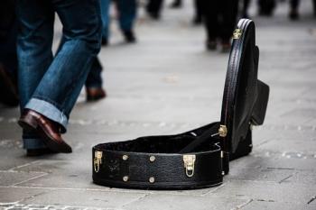 guitar-case-485112__340.jpg