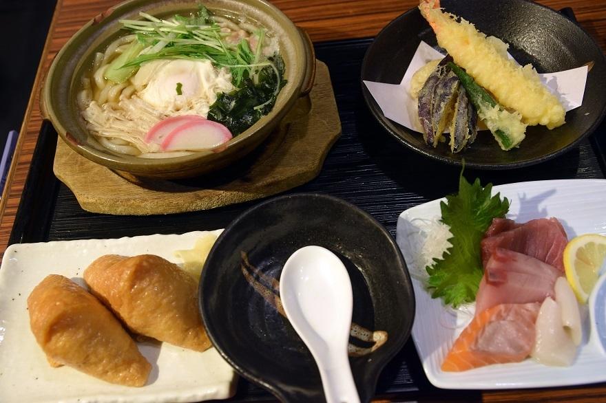 鍋焼きうどん御膳 (0)