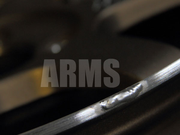 アルミ溶接でホイールのリムを修復