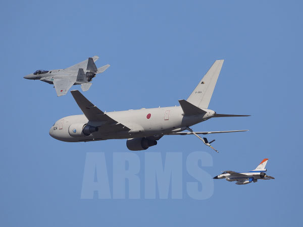 KC767とF15