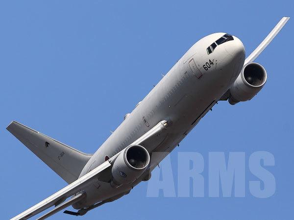 KC767の低空飛行