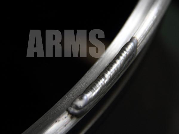 ホイールのリムをアルミ溶接で修復