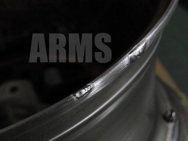 アルミホイールの歪みを修理