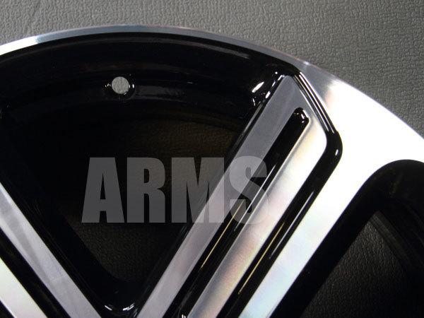 ゴルフR純正アルミホイールの表面の傷修理