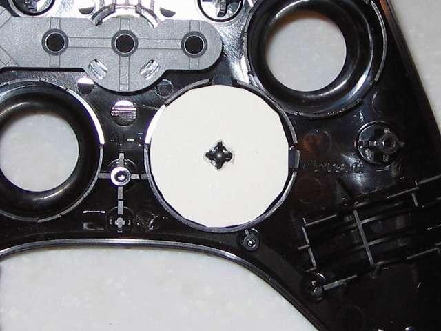 Microsoft Xbox360 有線コントローラー Xbox 360 Controller for Windows リキッド ブラック 52A-00006 十字キー改善作業、余っていたハガキから円状に切り取ったものを十字キーにセット