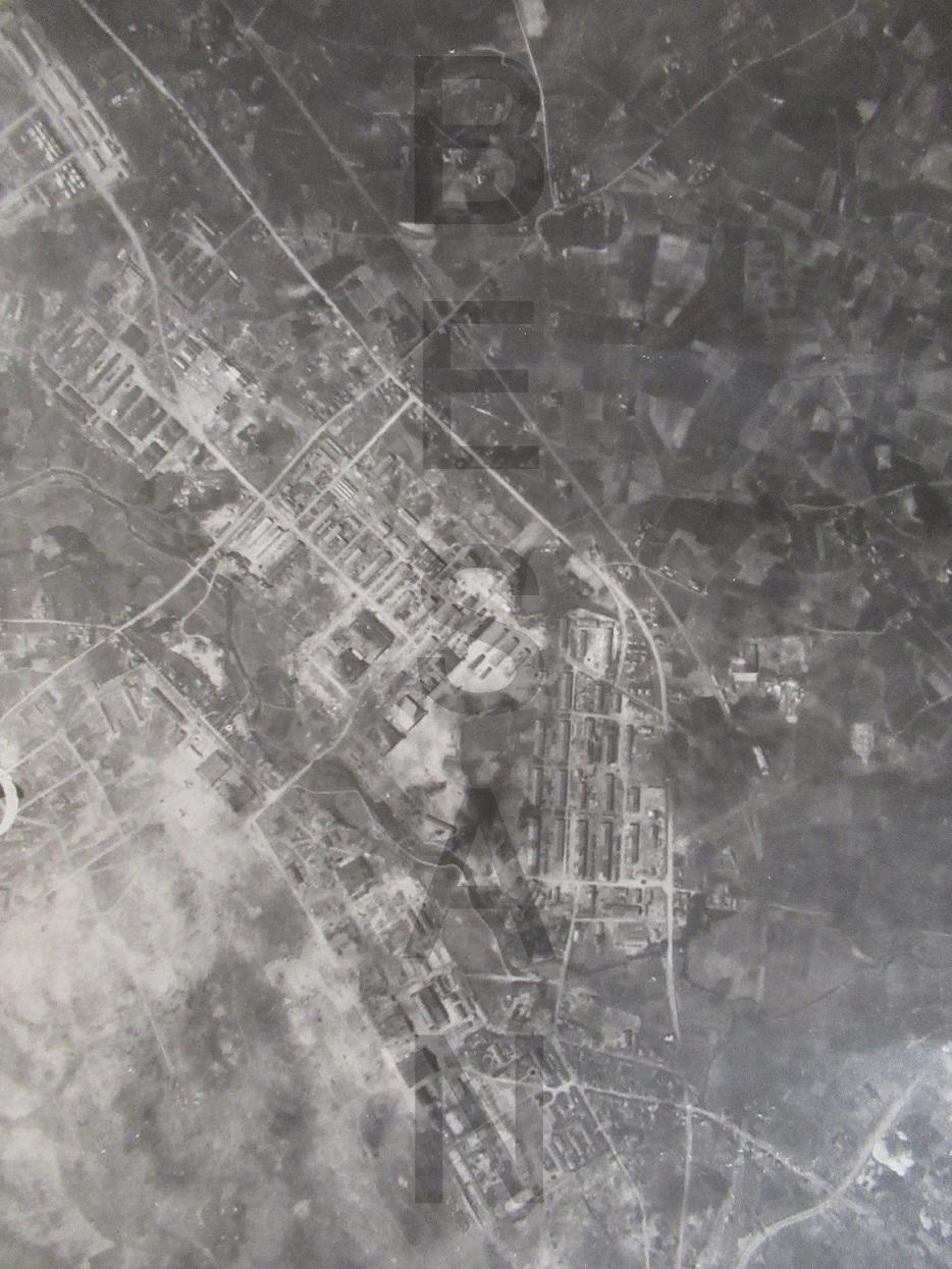 古写真・米軍撮影による大刀洗陸軍飛行場への空襲の写真(昭和20年3月31 ...