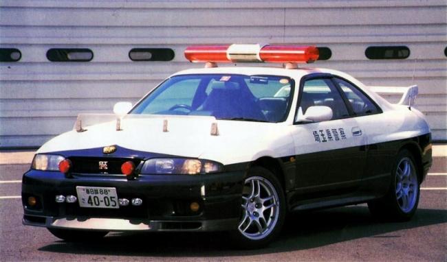 R33スカイラインGTRパトカー 白黒 埼玉県警 平成