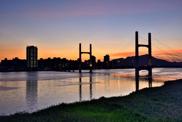 夕暮れと橋(1)