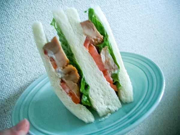 011231_sandwich2.jpg