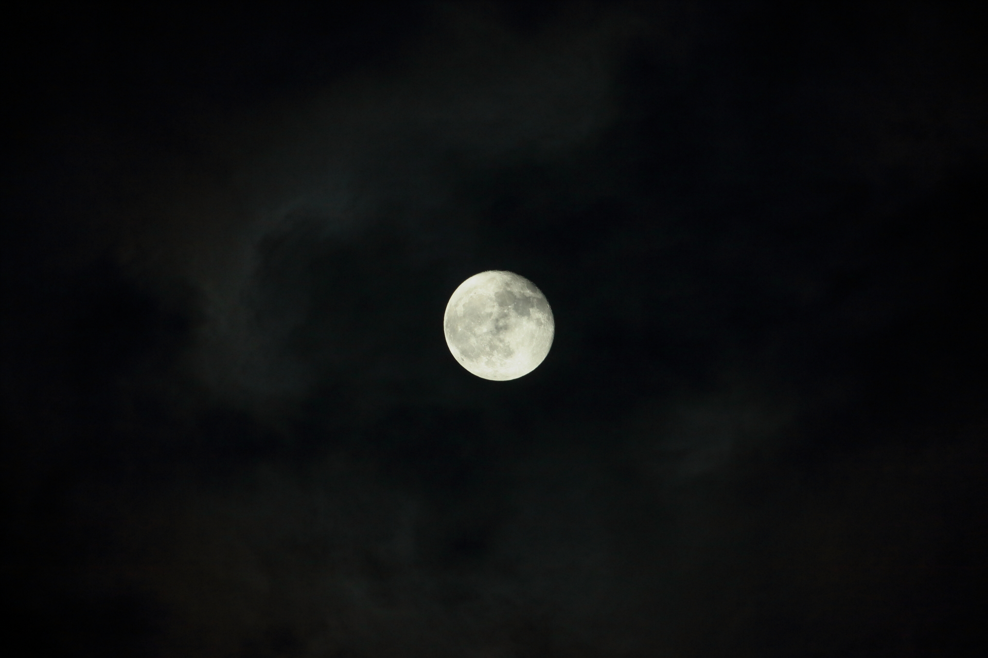 満月は昨日