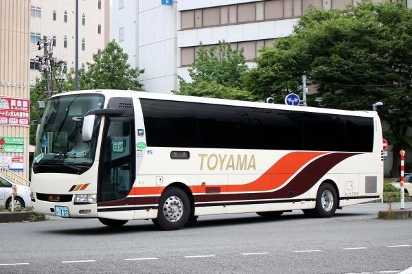 富山230あ・737