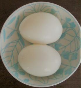 キレイに殻むけたゆで卵 近景