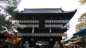 椿祭り 神社の門