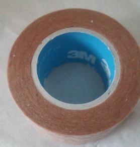 3M マイクロポア サージカルテープ2