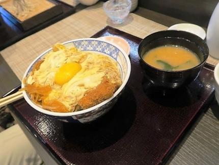 19-11-12 そばかつ丼