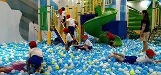 遊びの広場はボールがいっぱい