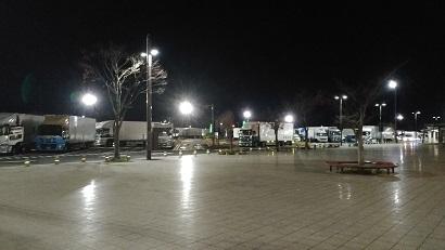 多賀SAの大型トラック (1)