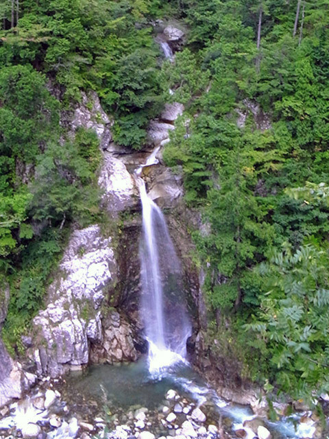 岩底の滝02