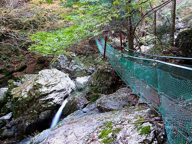 琵琶の滝02