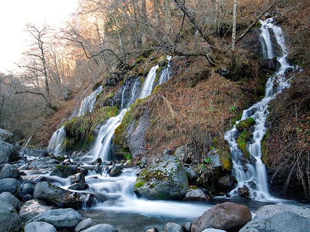 吐竜の滝06