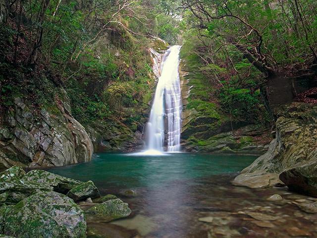 すさみ琴の滝03
