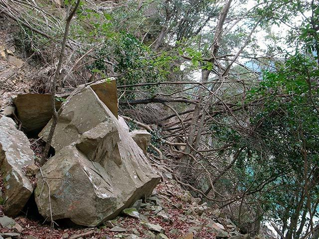 八草の滝09