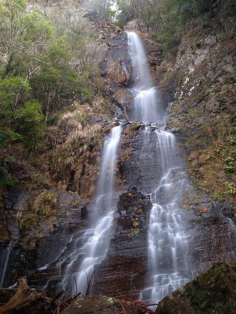 八草の滝11