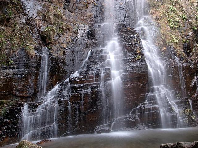 八草の滝13