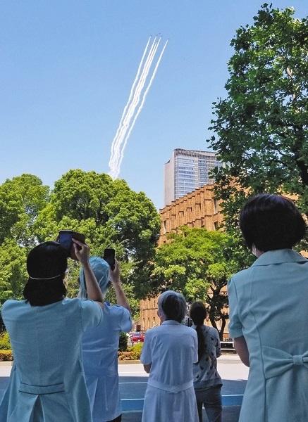 20200608東京新聞「ブルーインパルス迷惑!政治利用!の声も」・国民「うるせえ!聞屋のヘリのほうが迷惑」