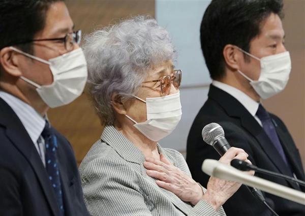 横田滋さんの死去を受けて記者会見する(左から)拓也さん、早紀江さん、哲也さん=9日、国会