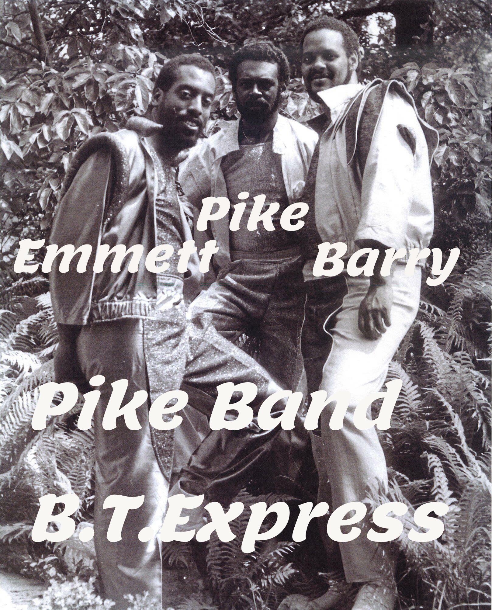 PIKE Band メンバ- 02