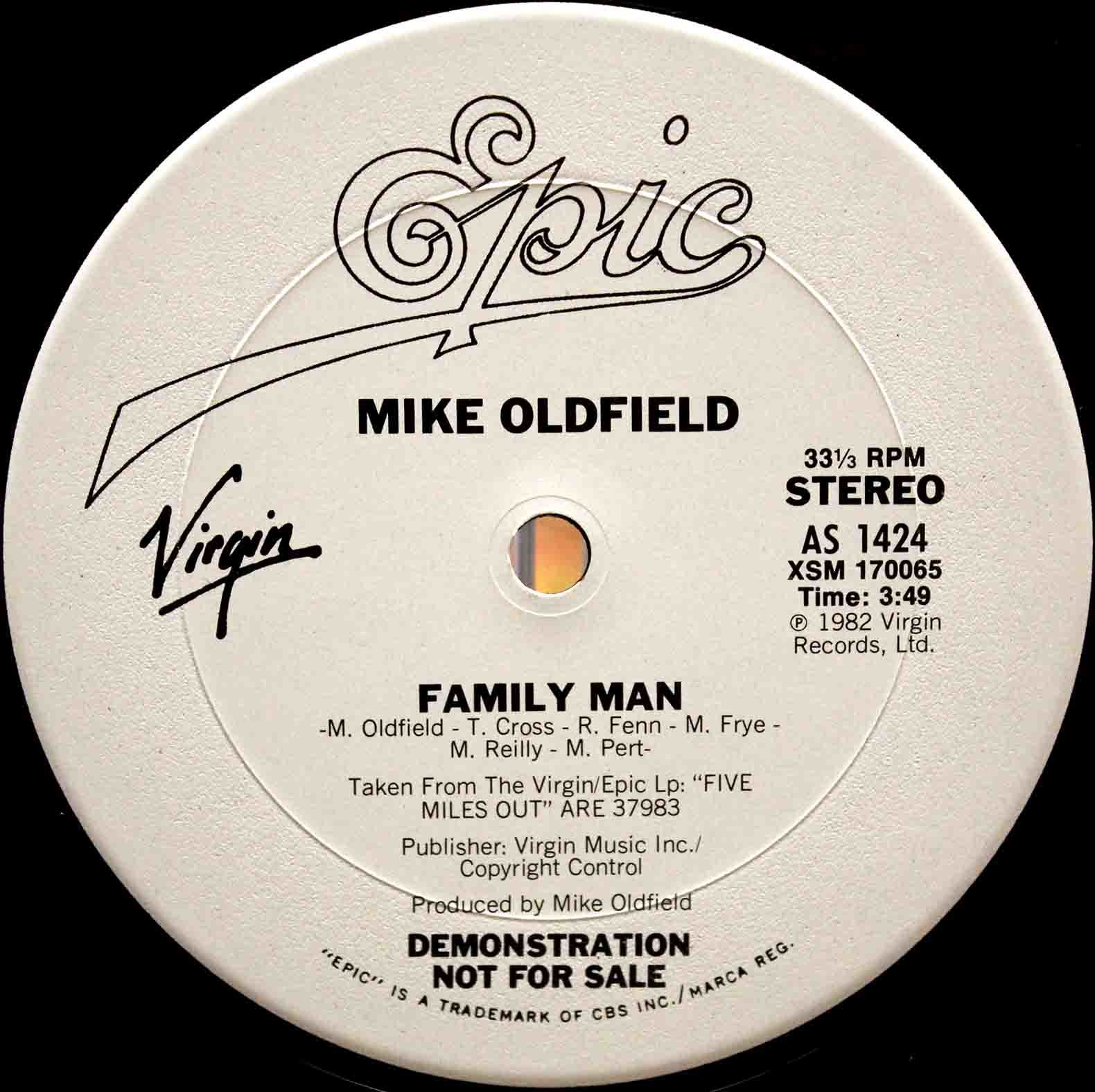 Mike Oldfield ‎– Family Man 03