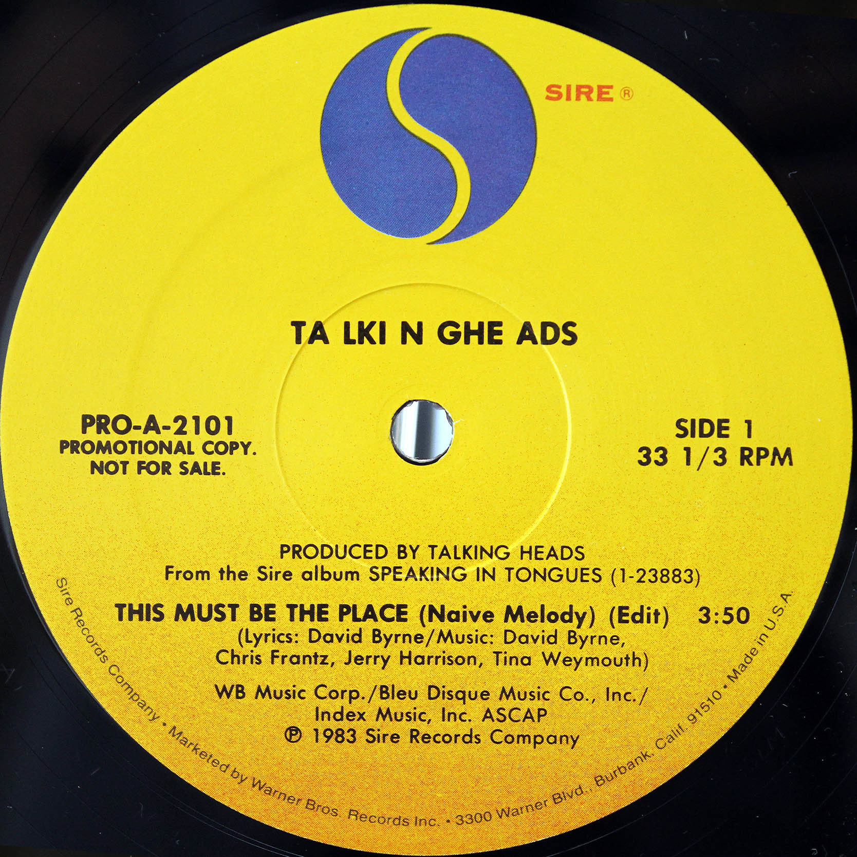 Talking Heads – This Must Be The Place 02
