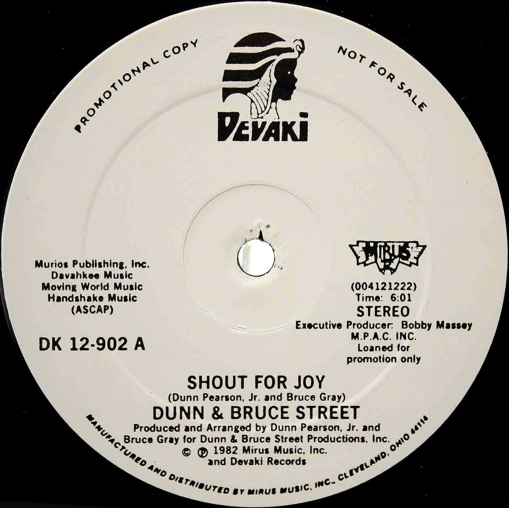 Dunn Bruce Street – Shout For Joy 03