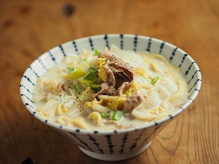 白菜と豚肉のミルク煮込み麺001