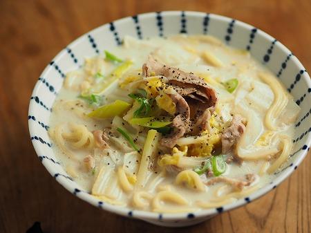 白菜と豚肉のミルク煮込み麺004
