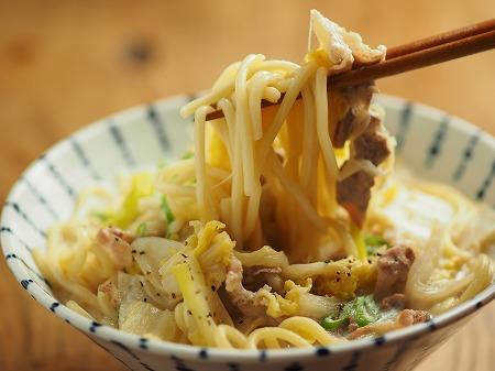 白菜と豚肉のミルク煮込み麺017