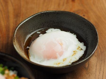 温泉卵、さば納豆温玉丼004