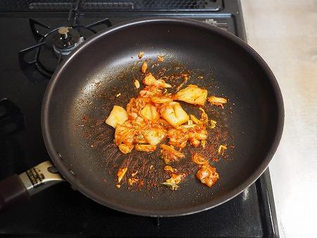 サバ缶と餅のキムチ鍋056