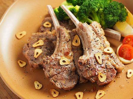 骨付きラム肉のガーリック塩焼014