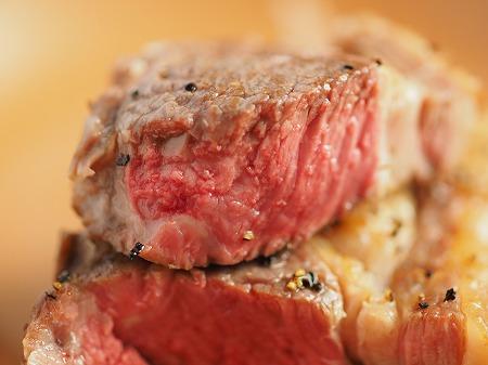 骨付きラム肉のガーリック塩焼037