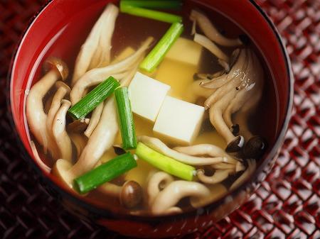 しめじと豆腐の吸い物016