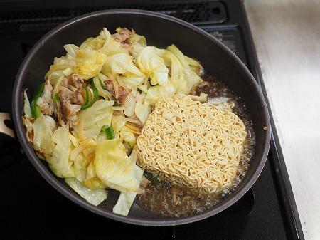 野菜たっぷりインスタント焼きそ028