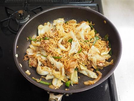 野菜たっぷりインスタント焼きそ031
